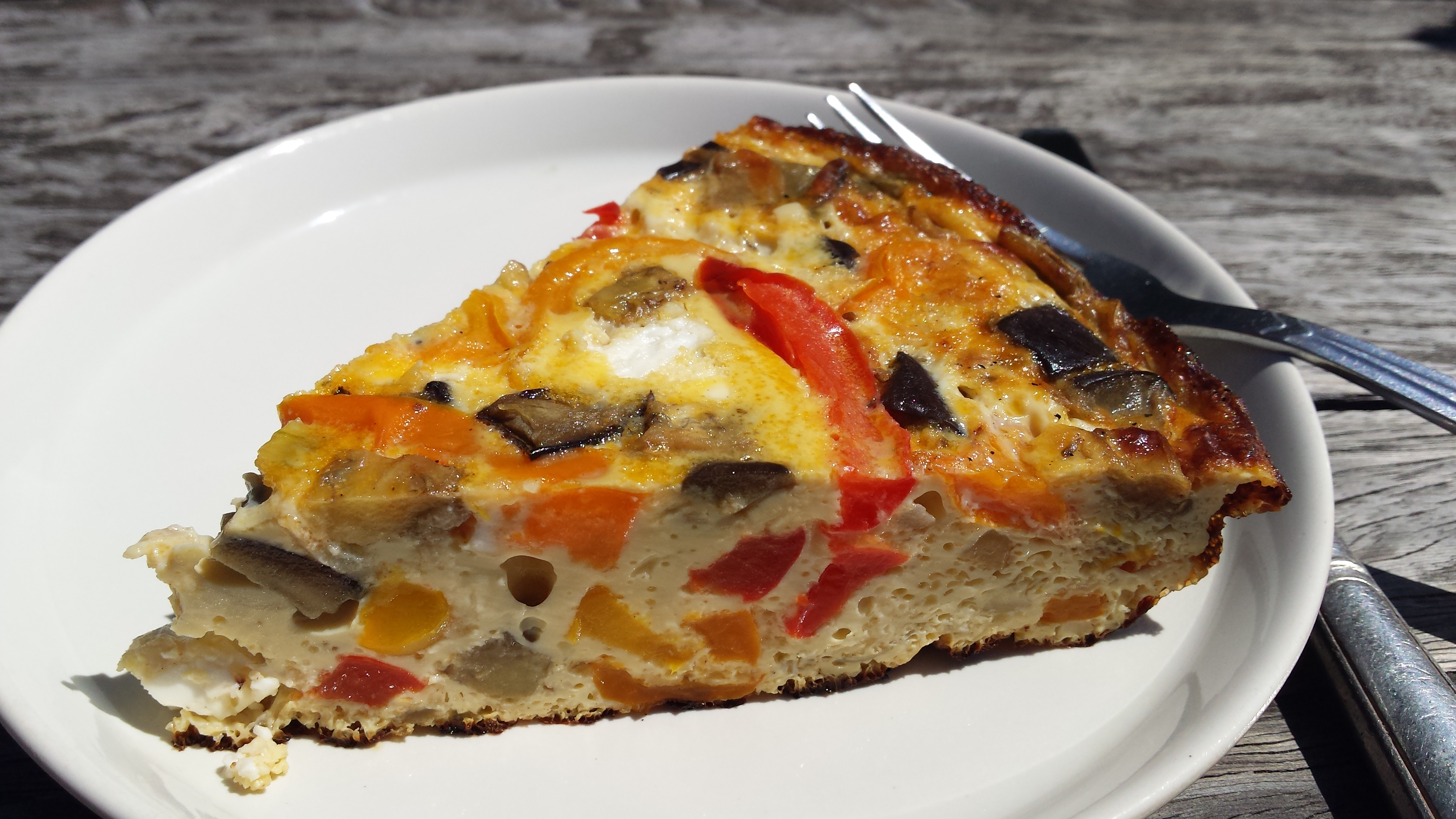 Arbeidsvitaminen – Frittate met paprika, aubergine en feta