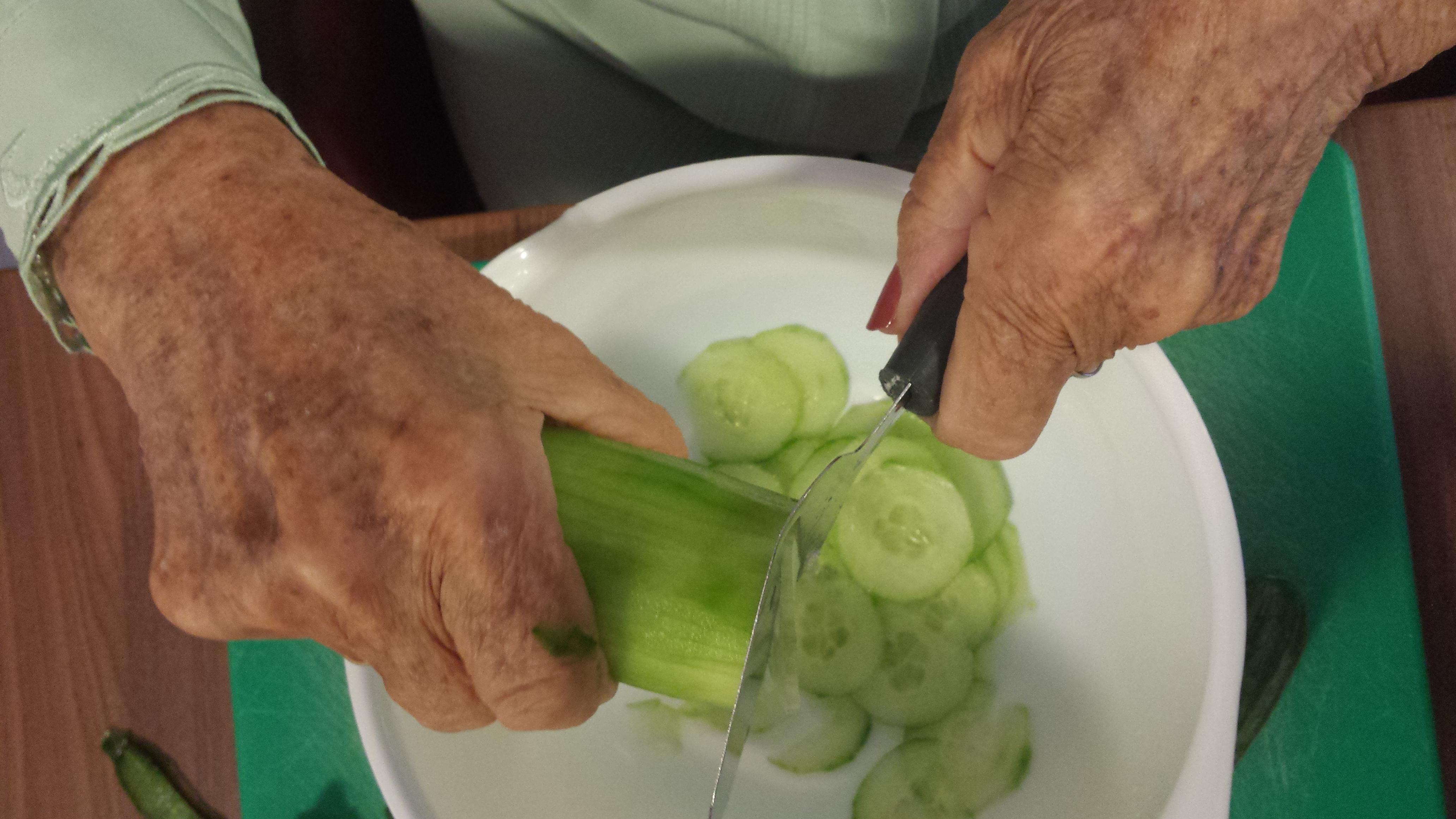 Zoetzure komkommersalade met dille