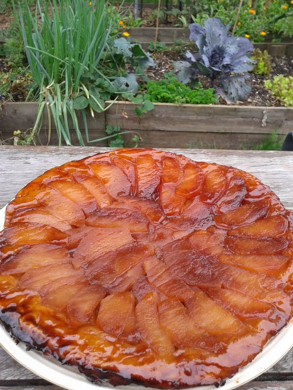 tarte tatin van appel en dadelstroop