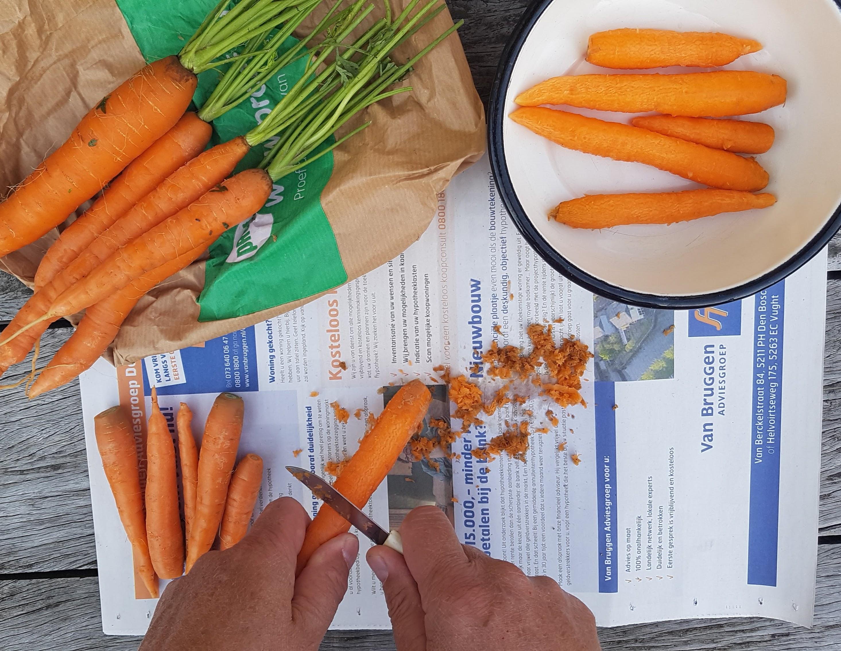 bospeen / worteltjes schrappen